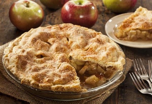 فطيرة التفاح بالعجينة الهشة