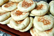 طريقة عمل الخبز المغربي بالسميد