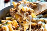 طريقة عمل المكرونة باللحم المفروم والجبن