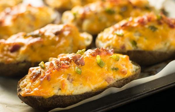 بطاطس مشوية بالجبن بالفرن