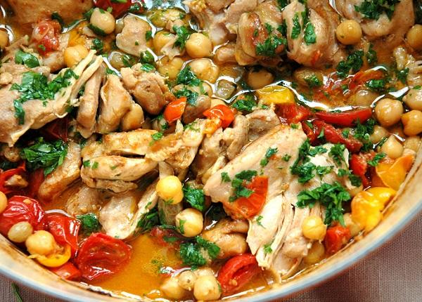 شوربة الدجاج بالطريقة المغربية