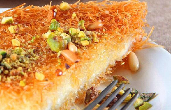 الكنافة النابلسية بالجبنة الموتزاريلا