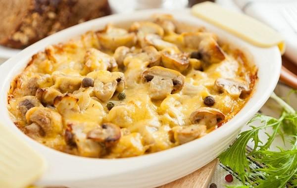 طريقة عمل بطاطس بالفطر و الجبن في الفرن