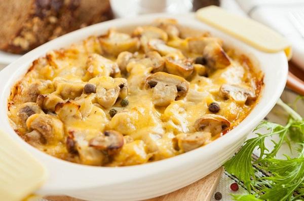 بطاطس بالفطر و الجبن في الفرن