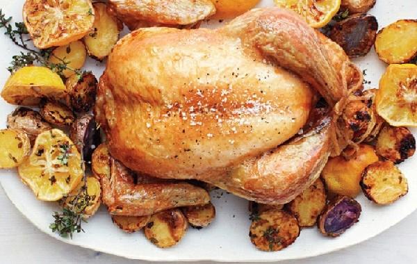 طريقة عمل دجاج محمر بالفرن مع البطاطس