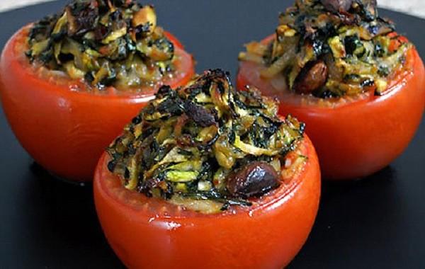طريقة عمل طماطم محشيه بالخضار