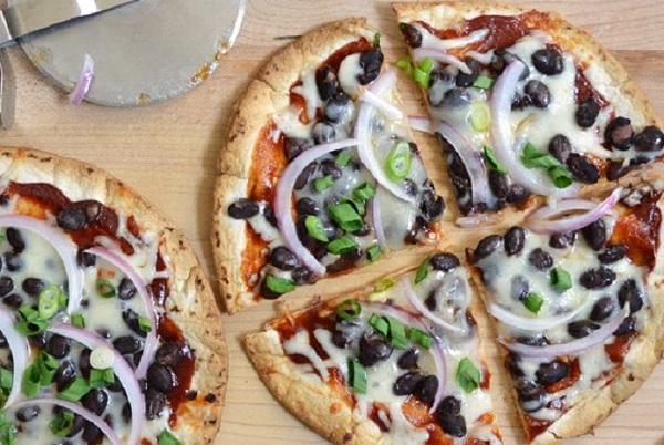 بيتزا سهلة ولذيذة