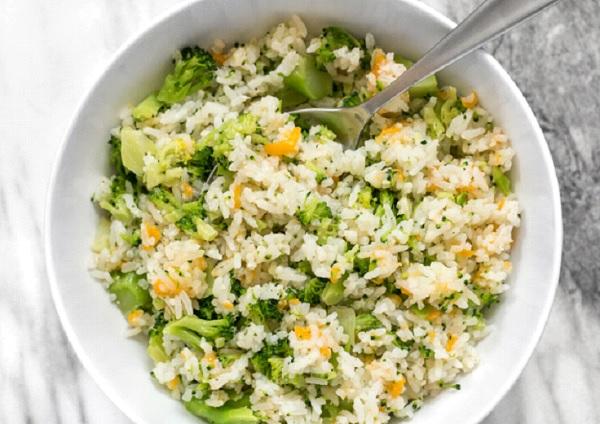 طبخ البروكلي مع الرز