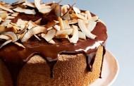 طريقة عمل كيكة جوز الهند بالشوكولاتة السائلة