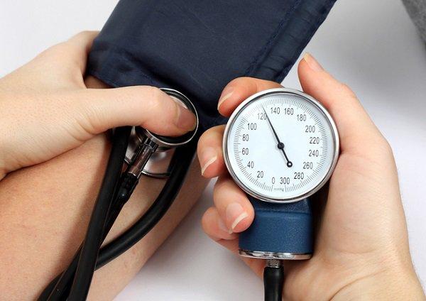 تجربتي مع ضغط الدم المرتفع