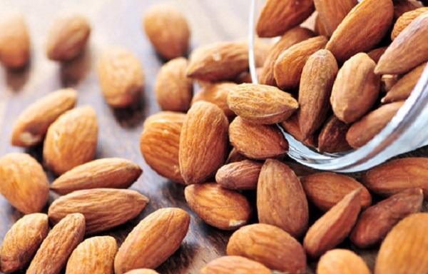 فوائد اللوز المر لمرضى السكري