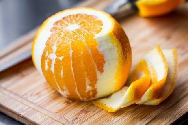 فوائد قشر البرتقال للبشرة الجافة