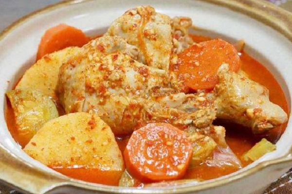 إيدام البطاطس بالدجاج