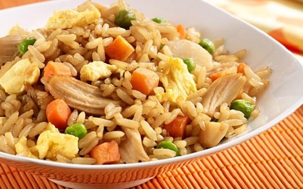 طريقة عمل الرز الصيني بالبيض