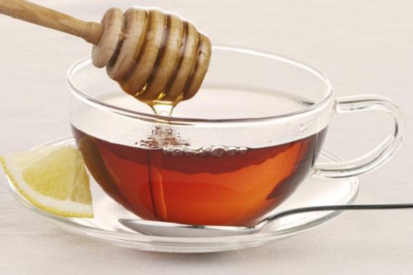 فوائد شرب العسل مع الماء على الريق