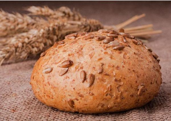 ما هي فوائد خبز الشعير للقولون
