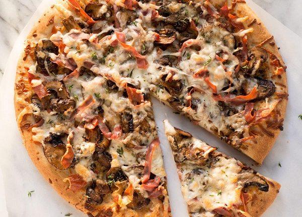 عجينة بيتزا خفيفه و هشة