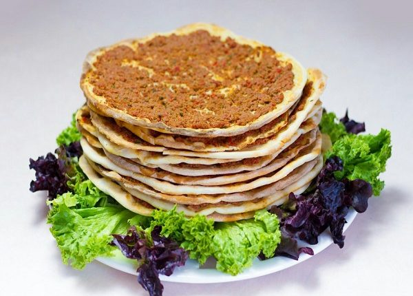 اللحم بعجين على الطريقة التركية