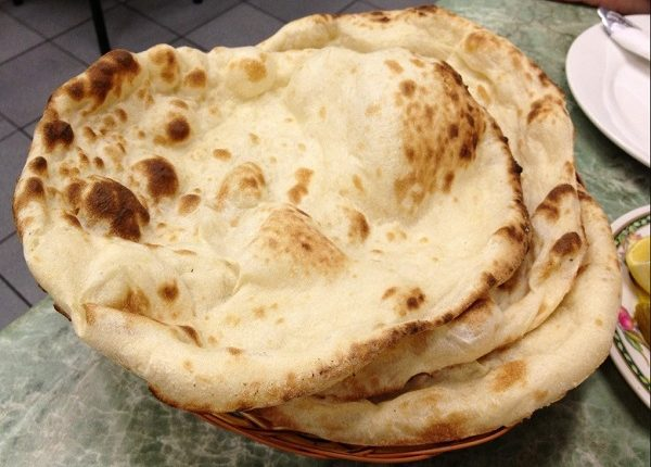 طريقة عمل الخبز العراقي في البيت