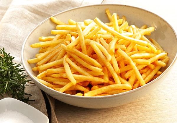 طريقة عمل البطاطس المقلية المجمدة