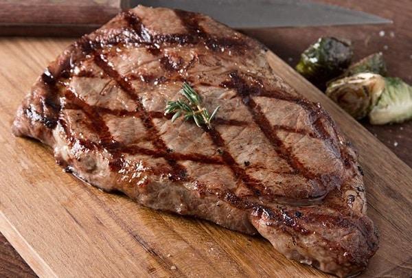 طريقه عمل اللحم البفتيك بالصوص