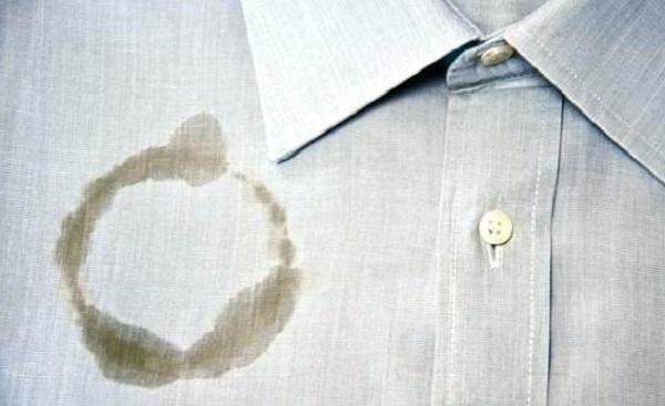 ازالة بقع الزيت والشحم من الملابس