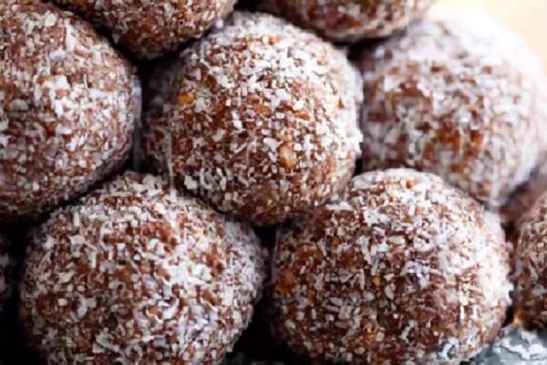 كرات جوز الهند بالشوكولاته