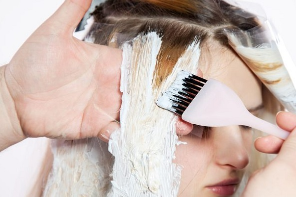 طريقة ازالة صبغة الشعر من الملابس