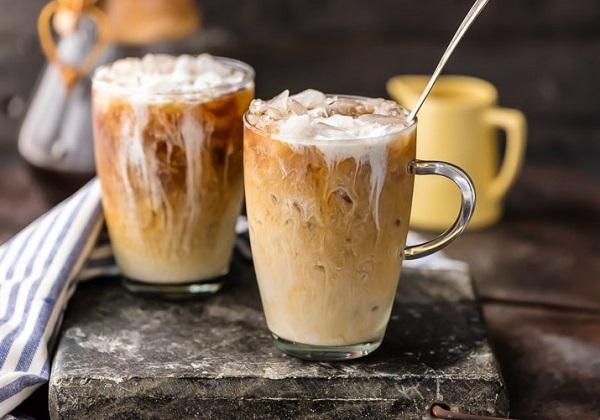 القهوة المثلجة في البيت