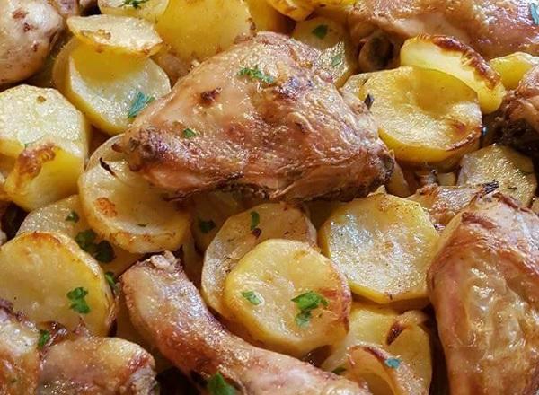 صينية دجاج بالبطاطس بالفرن 3