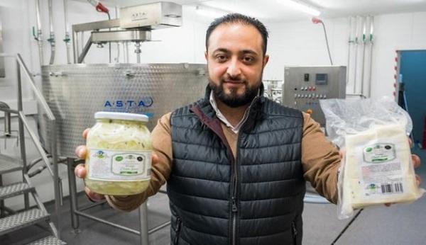 جبنة سورية في المانيا تغزو الاسواق يصنعها مهاجر سوري