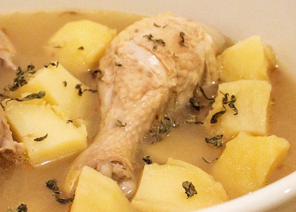 يخنة البطاطا مع الدجاج