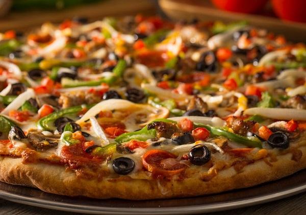 بيتزا الهوت دوغ