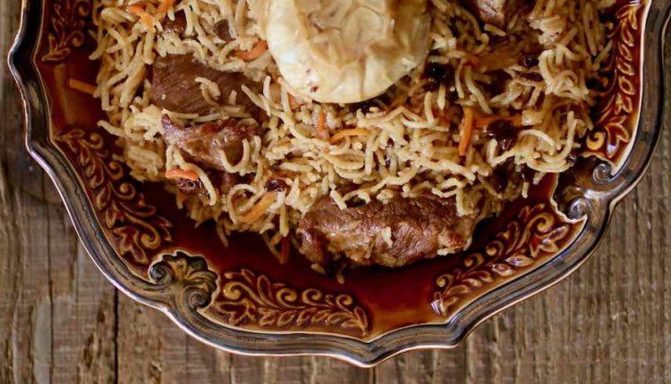 الرز البخاري باللحم على اصوله