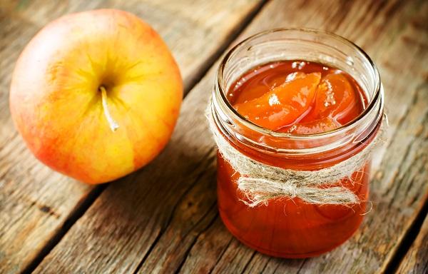 مربى التفاح قطع