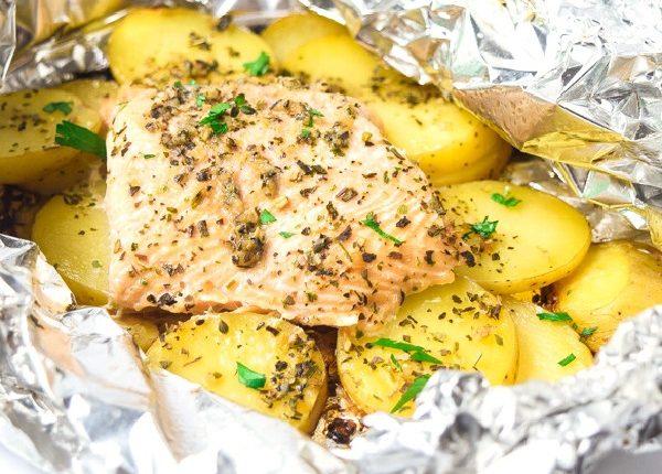 سمك الفيليه مع البطاطا بالفرن