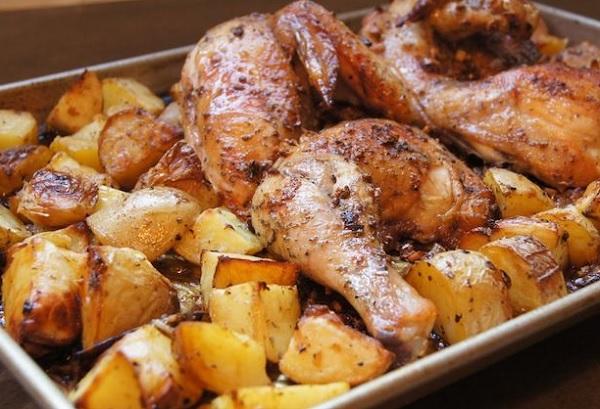 الدجاج بالبطاطس بالفرن