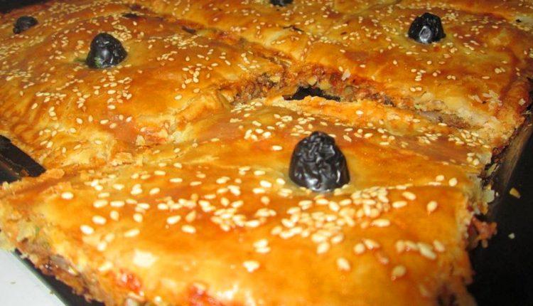 اكلة الكوكا الجزائرية او البيتزا الجزائرية