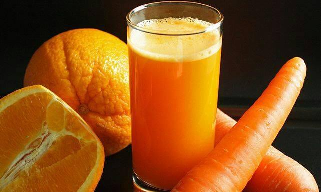 عصير البرتقال والجزر