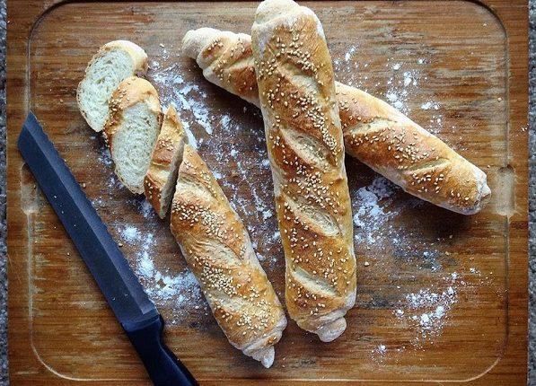خبز الباجيت في المنزل