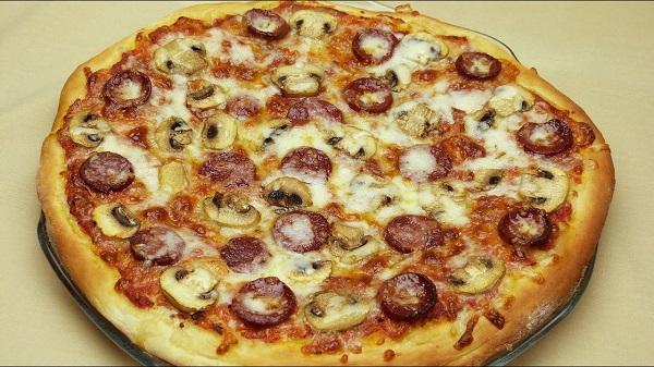 بيتزا تركية بالهوت دوغ