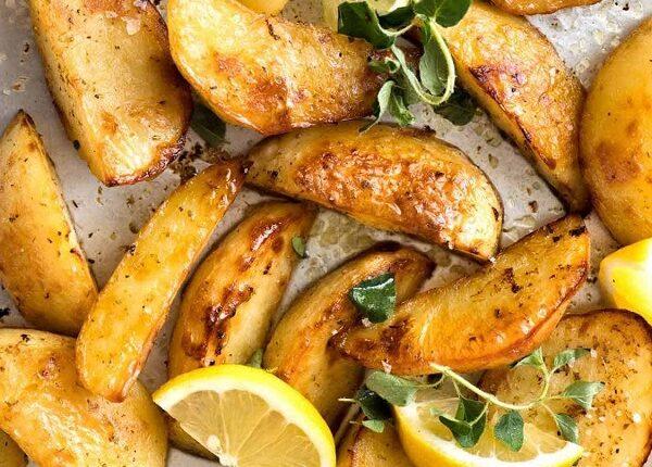 البطاطس على الطريقة اليونانية