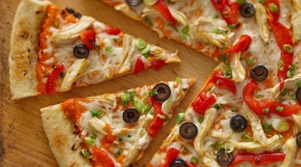 بيتزا الرانش بالدجاج